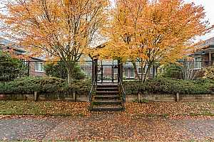More Details about MLS # 20149605 : 5405 NE 10TH AVE 1