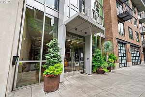 MLS # 20162478 : 922 NW 11TH AVE 204