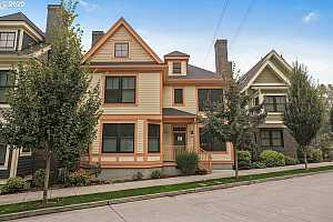 More Details about MLS # 20167165 : 3246 SW 2ND AVE