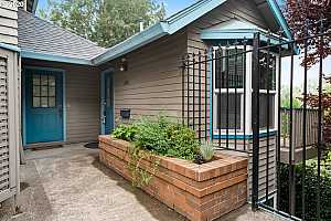 More Details about MLS # 20190357 : 1443 SW MONTGOMERY ST #5