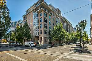 MLS # 20208893 : 1130 NW 12TH AVE 308