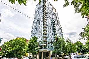MLS # 20216082 : 1500 SW 11TH AVE 1802