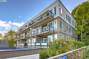 MLS # 20226938 : 1815 SW 16TH AVE 204