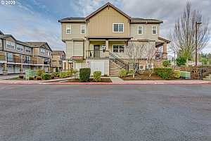 MLS # 20233576 : 655 NW 118TH AVE 105