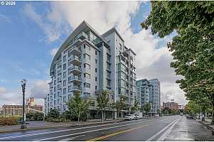MLS # 20281231 : 1310 NW NAITO PKWY 802A