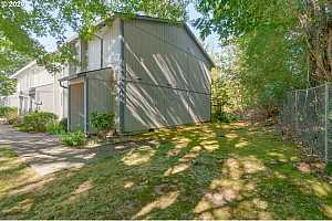 More Details about MLS # 20322456 : 4127 NE 8TH ST