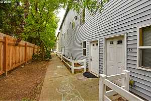 More Details about MLS # 20327502 : 2539 SE 141ST AVE 12