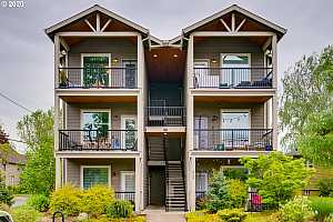 More Details about MLS # 20335351 : 5734 N MONTANA AVE 6