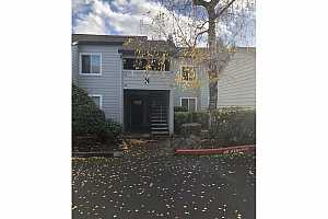 MLS # 20339424 : 159 SW FLORENCE AVE N-76