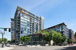 MLS # 20348150 : 1255 NW 9TH AVE 902