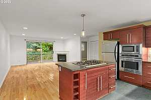 More Details about MLS # 20385977 : 162 SE 73RD AVE