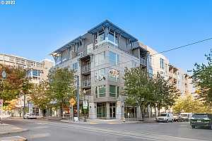 MLS # 20425023 : 1125 NW 9TH AVE 412