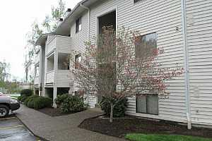 More Details about MLS # 20437874 : 11044 SW GREENBURG RD 114