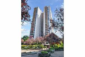 MLS # 20441049 : 2221 SW 1ST AVE 1221