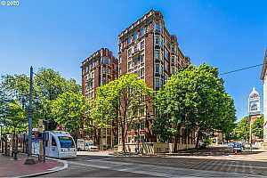 MLS # 20447306 : 1209 SW 6TH AVE 406