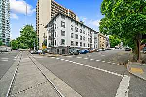 MLS # 20473986 : 1104 SW COLUMBIA ST 106