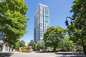 MLS # 20476393 : 1500 SW 11TH AVE 802