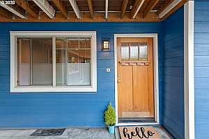 More Details about MLS # 20548133 : 4956 NE 9TH AVE 4