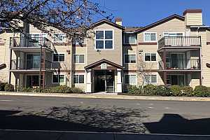 MLS # 20631251 : 790 NW 185TH AVE 103