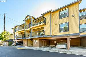 More Details about MLS # 20633946 : 293 SE 162ND AVE