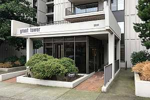 MLS # 20669366 : 2221 SW 1ST AVE 123