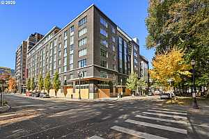 MLS # 20676843 : 327 NW PARK AVE 4A