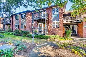 MLS # 20689120 : 526 S STATE ST 5A