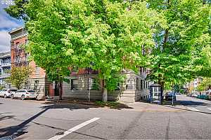 MLS # 21017538 : 2109 NW IRVING ST 204