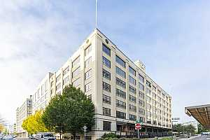 MLS # 21034618 : 1400 NW IRVING ST 413