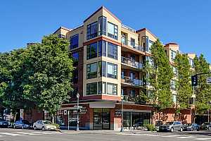 More Details about MLS # 21040650 : 1620 NE BROADWAY ST 232