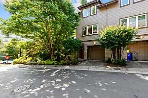 More Details about MLS # 21041183 : 10200 NW ALDER GROVE LN