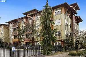 More Details about MLS # 21044156 : 400 NE 100TH AVE 204