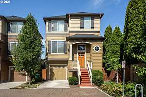 More Details about MLS # 21066936 : 1329 SE 84TH AVE