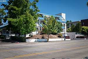 More Details about MLS # 21098275 : 8717 SE MONTEREY AVE 110