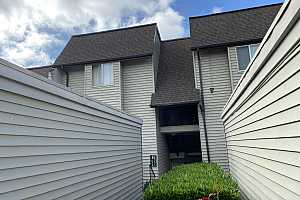MLS # 21107715 : 200 SW FLORENCE AVE H5