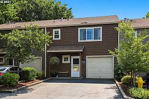 More Details about MLS # 21118120 : 7181 SW SAGERT ST 102