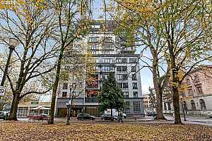 More Details about MLS # 21140828 : 300 NW 8TH AVE 707