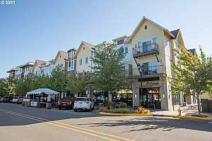 More Details about MLS # 21142990 : 10606 SE MAIN ST 215