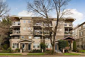 More Details about MLS # 21144490 : 3129 N WILLAMETTE BLVD 207