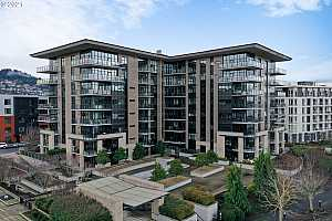 MLS # 21145260 : 1830 NW RIVERSCAPE ST 504