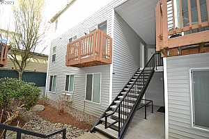 More Details about MLS # 21146726 : 217 NE 146TH AVE 21