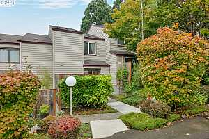 More Details about MLS # 21146826 : 10629 SW CANTERBURY LN
