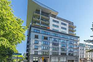 More Details about MLS # 21151427 : 300 NW 8TH AVE 306