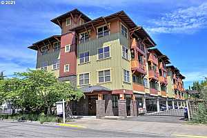 More Details about MLS # 21153962 : 400 NE 100TH AVE 403