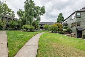 More Details about MLS # 21154523 : 3707 SE 42ND AVE A