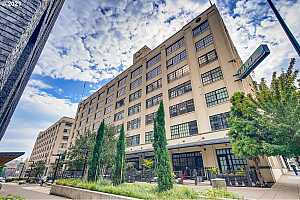 MLS # 21154937 : 1400 NW IRVING ST 330