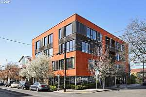 More Details about MLS # 21174521 : 2373 SE 44TH AVE 204
