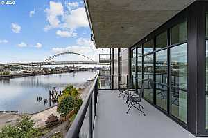 MLS # 21180855 : 1830 NW RIVERSCAPE ST 704