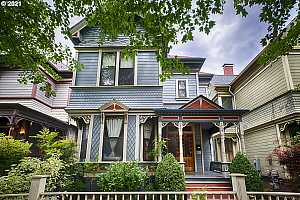 MLS # 21203245 : 1729 NW IRVING ST