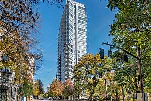 MLS # 21203297 : 1500 SW 11TH AVE 204